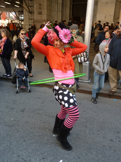 Easter Parade, Easter bonnet, New York, Fifth Avenue, Hula Hoop, St. Patrick's Cathedral, orange, polka dots