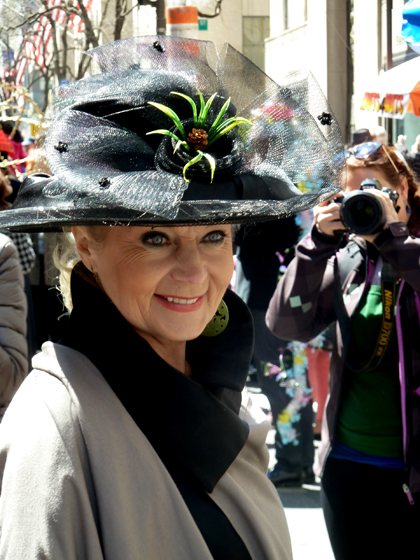 Easter Parade, Easter bonnet, New York, Fifth Avenue, smile,, black hat
