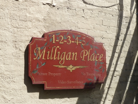Miligan Place, Greenwich Village, e.e. cummings, dead end, tour group