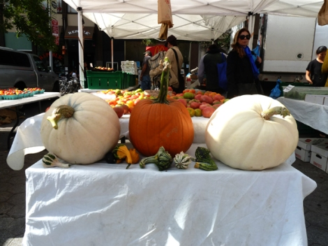 Autumn, Fall, Farmers Market, Union Square, Five Squares and a Circle Tour, Pumpkins, Gourds, Sunflowers, Mums, Autumn Equinox, e.e. cummings, Henry David Thoreau, George Eliot