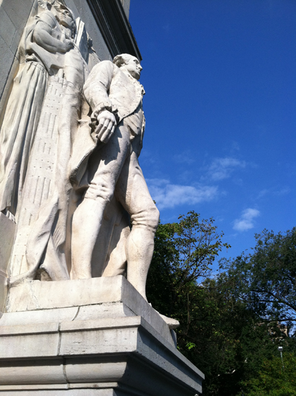 George Washington, Abraham Lincoln, Washington Square Park, Greenwich Village, Washington at Peace, Shadow, Washington Arch, Stirling Calder, Sunlight