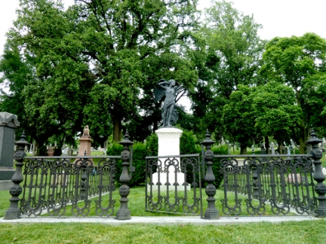 Gay Graves Tour, Green-Wood Cemetery, Entry Gate, Richard Upjohn, Victorian Gothic, Gothic Revival, Neo-Gothic, Spires, Brownstone, Grave, Sandstone, Brooklyn