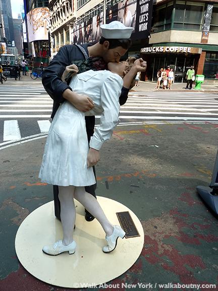 Sculptural Art On Broadway Walkaboutny