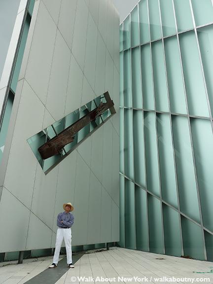Memoria e Luce, Memory and Light, 9/11, September 11th, World Trade Center, Twin Towers, Daniel Libeskind, Padua, Padova, Italy, New York, 2001, New York City, New York, Italian