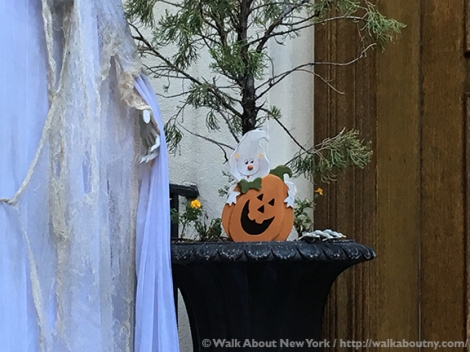 Halloween, Greenwich Village, Greenwich Village Walking Tour, Walking Tour, Fright Night, Ghosts, Skeletons, Tombstones, All Hallows Eve