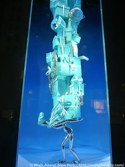 Bloomingdale's, Barneys, Bergdorf Goodman, Tiffany & Co., Saks Fifth Avenue, Christmas, Holiday Windows, Fifth Avenue, Macy's, Lord & Taylor, Snow White, New-York Historical Society, New York Philharmonic, The Greatest Showman, Diamonds