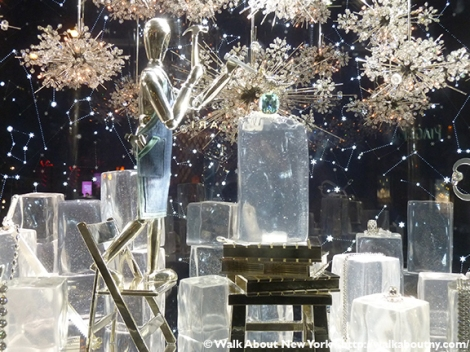 Bloomingdale's, Barneys, Bergdorf Goodman, Tiffany & Co., Saks Fifth Avenue, Christmas, Holiday Windows, Fifth Avenue, Macy's, Lord & Taylor, Snow White, New-York Historical Society, New York Philharmonic, The Greatest Showman, Diamonds