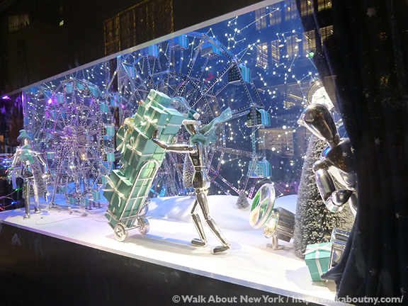 dc9caa539be28 NYC s Christmas Windows